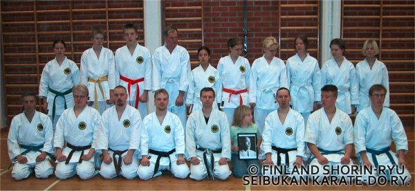 Ryhmäkuva Suomussalmelta Joulukuulta 2000
